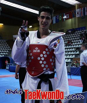 2010-07-04_(9920)x_masTaekwondo_Joel-Gonzales-Espana_300