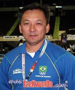 2011-01-07_(20996)x_masTaekwondo_Mauro-Hideki_250
