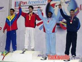 2011-02-17_(21900)x_Stuart_Smit_Taekwondo-Aruba_podio-PanAm2010
