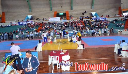 2011-03-28_(23617)x_Lima_Clasificatorio_Guadalajara-2011_Estadio-2