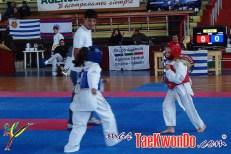 2012-05-08_(39229)x_niñas jugando taekwondo