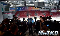 Visita_Anatoliy-Terekhov_al_Traktor-Arena_05_