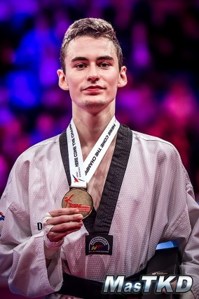 20171021_Dia2_Grand-Prix-Series-3_London2017_Mikhail-Artamonov-RUS-the-gold-medalist-of-M-58kg