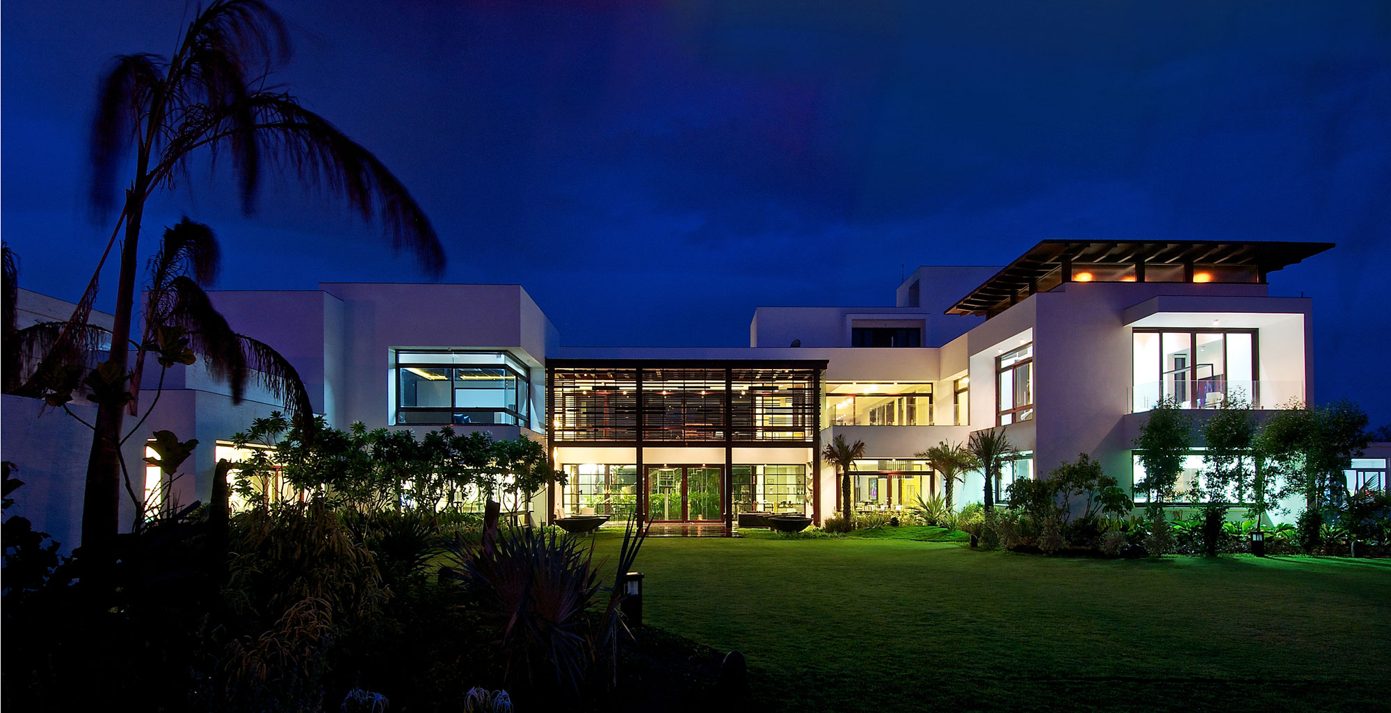 The Frill House By Hiren Patel Architects