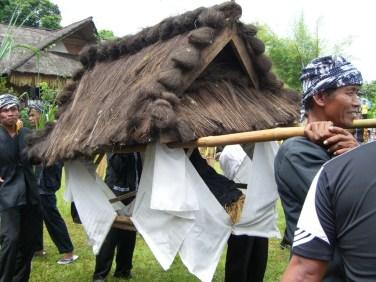 dongdang padi (Father and Mother paddy bier)