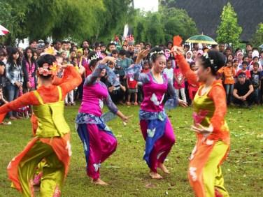 Jaipong dance