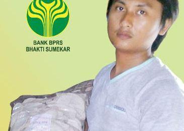 Kisah Pengusaha Krupuk Ikan Menjadi Mitra BPRS Bhakti Sumekar