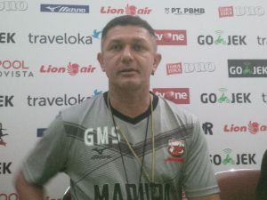 Pelatih Kepala Madura United FC, Gomes de