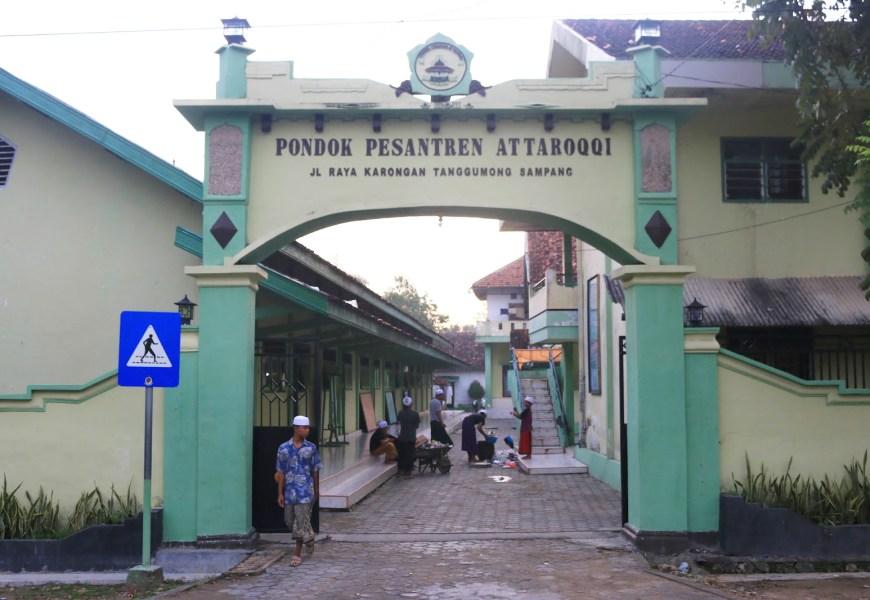 Ponpes At-Taroqqi Sampang, Berdiri di Bekas Lokasi Pembantaian dan Sarang Jin