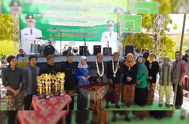 Meriahkan Hari Jadi Sumenep Ke-750, SMAN 1 Bluto Gelar Adduwan Dunggeng Basa Madura