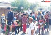 Di Sapudi, Fattah Jasin-Kiai Fikri Naik Kuda Sebelum Acara Doa Bersama Kemenangan