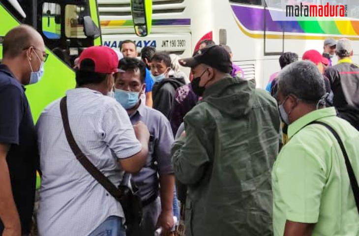 Ratusan Penumpang Bus di Terminal Bangkalan Ngoceh Karena Ditarik Rp 200 Ribu Test Antigen