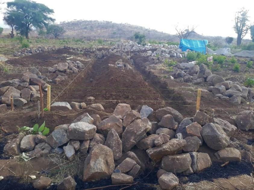 Baubeginn Areina Herbal Clinic bei Mbeya
