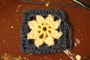 flower center granny square