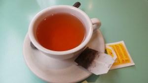 DIY : transformez vos sachets de thé vert en patch pour les yeux