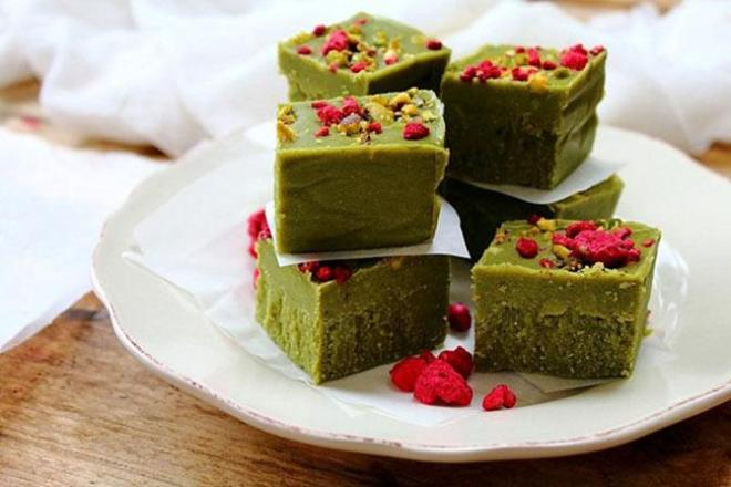 Matcha Maca Fat Bomb Fudge