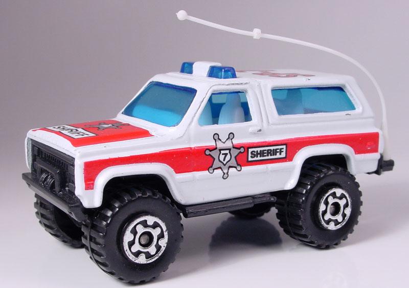 MB129-01 : 4x4 Chevrolet Blazer © Matchbox Dan