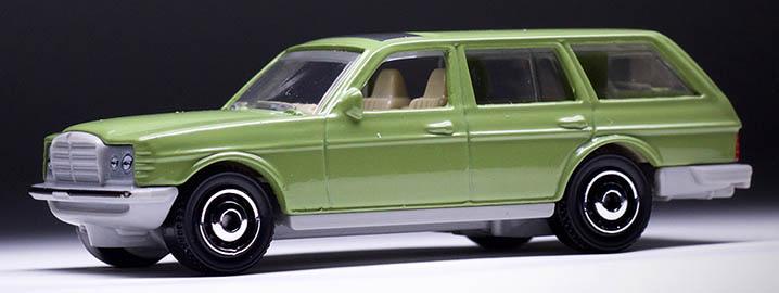 MB1169 : 1980 Mercedes-Benz W 123 Wagon