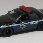 MB689-08 : 2006 Ford Crown Victoria Police