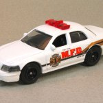 MB689-24 : 2006 Ford Crown Victoria Police