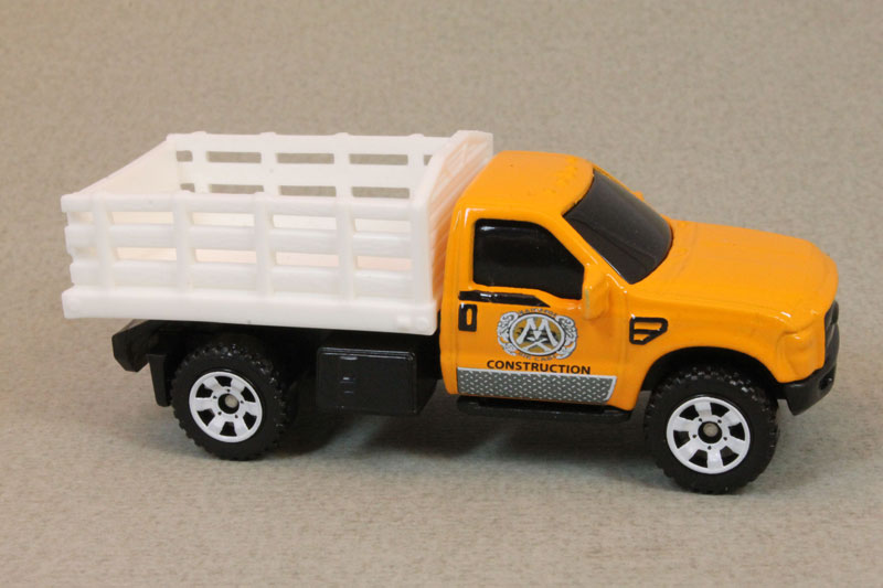 MB920 : Ford F-350 Stake Bed