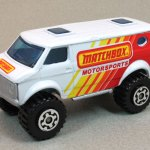 Matchbox MB102-17 : 4x4 Chevy Van