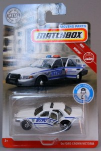 Matchbox MB1140-01 : 2006 Ford Crown Victoria