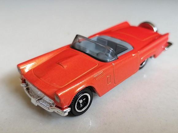 Matchbox MB042 : 1957 Ford Thunderbird