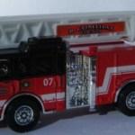Matchbox Working Rigs RW015 : Pierce Velocity Aerial Platform Fire Truck