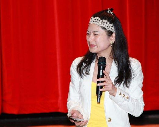 Hellen Chen giving a lecture