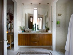 Adorable mosaic marble shower tile for your bathroom 07