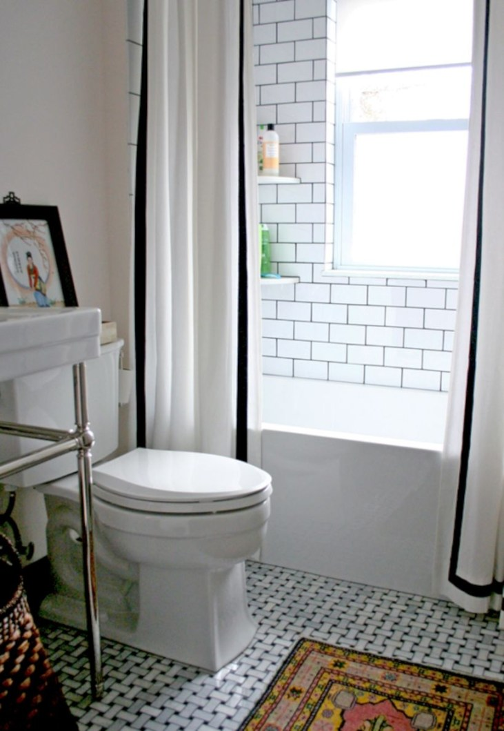 Adorable mosaic marble shower tile for your bathroom 25