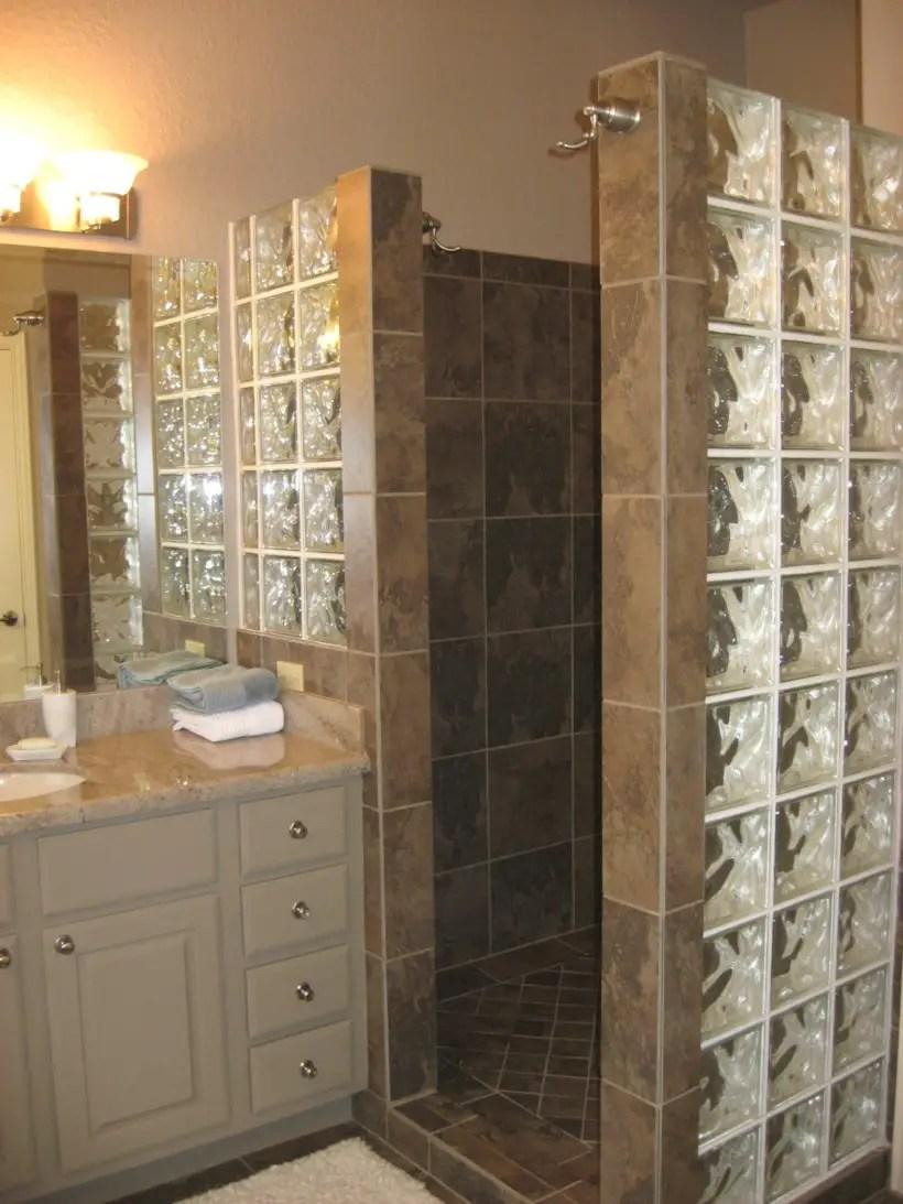 Amazing glass brick shower division design ideas 11