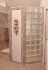 Amazing glass brick shower division design ideas 17
