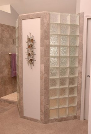 Amazing glass brick shower division design ideas 17