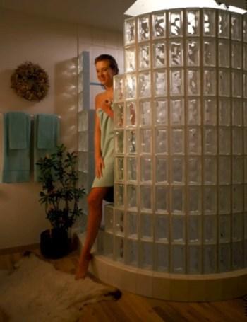 Amazing glass brick shower division design ideas 24