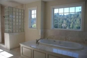 Amazing glass brick shower division design ideas 34