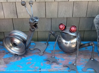Awesome outdoor junk garden to reuse your old stuff 10