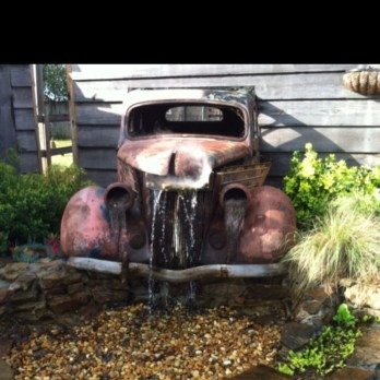 Awesome outdoor junk garden to reuse your old stuff 18