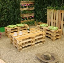 Awesome outdoor junk garden to reuse your old stuff 32