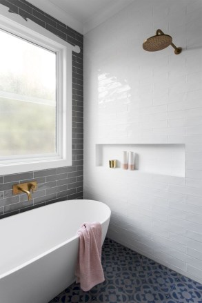 Bathtub and shower tile ideas to beautify your bathroom 08