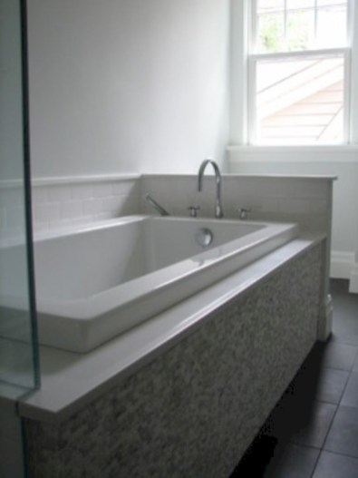 Bathtub and shower tile ideas to beautify your bathroom 26