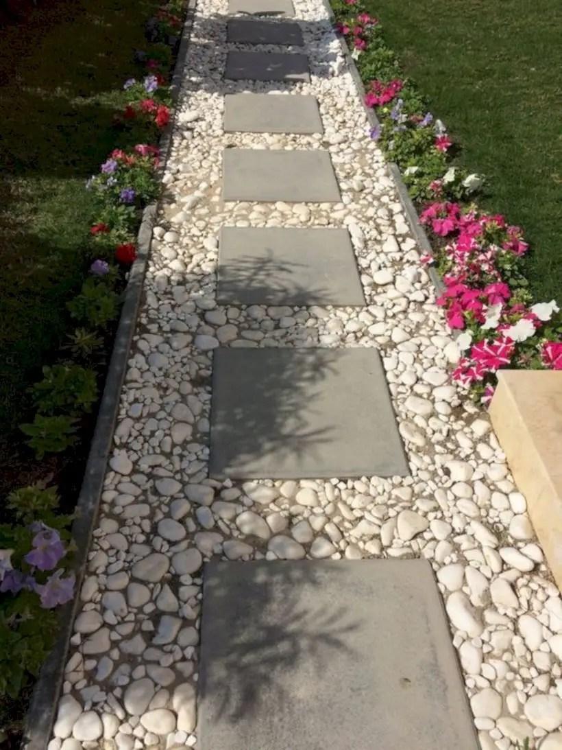 Best garden walkway to envy your visitor 10