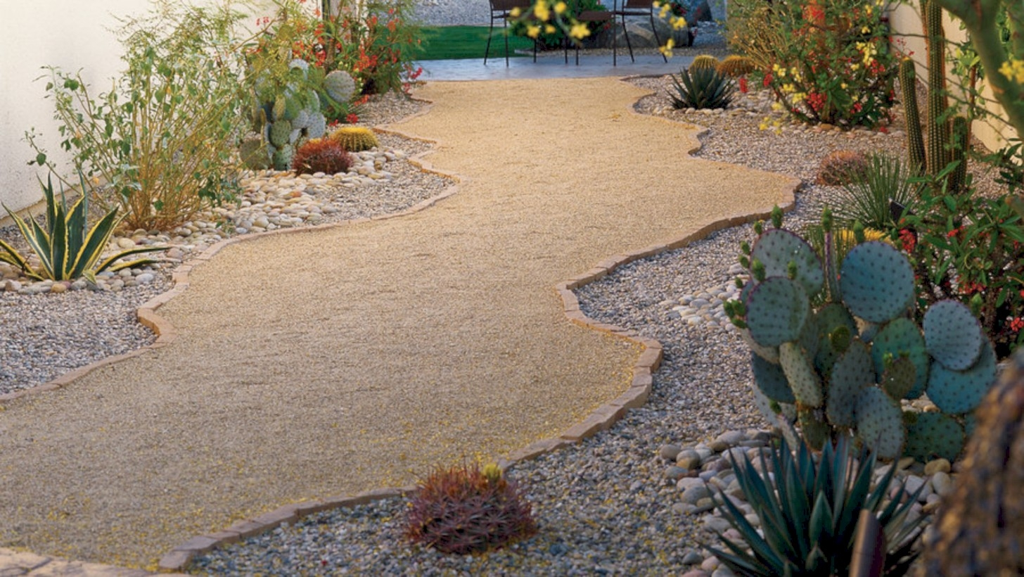 Best garden walkway to envy your visitor 43