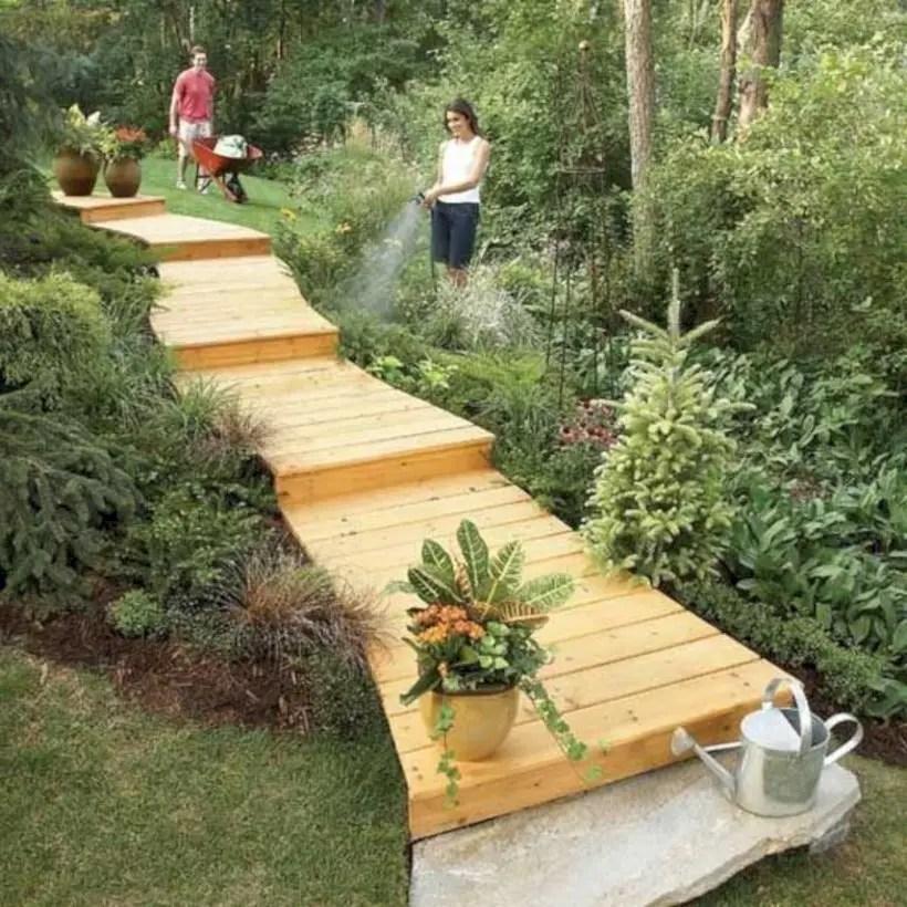 Best garden walkway to envy your visitor 44