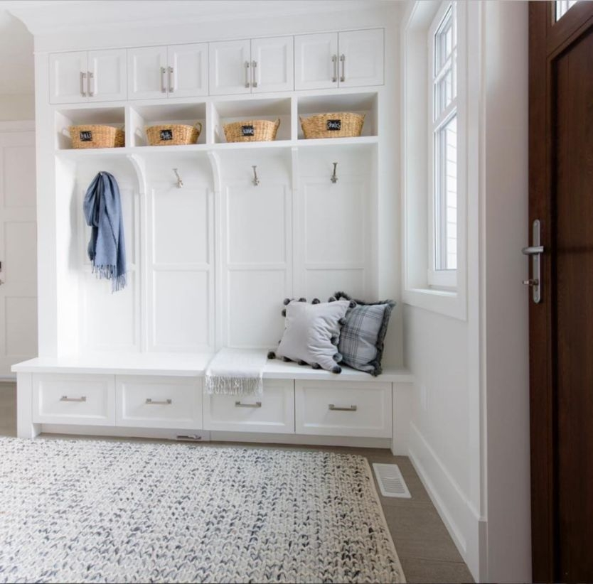 Built-in bench for your basement design ideas 14