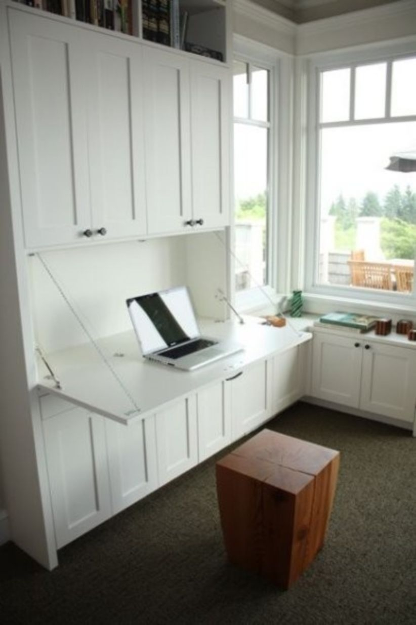Built-in bench for your basement design ideas 15