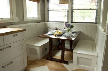Built-in bench for your basement design ideas 20