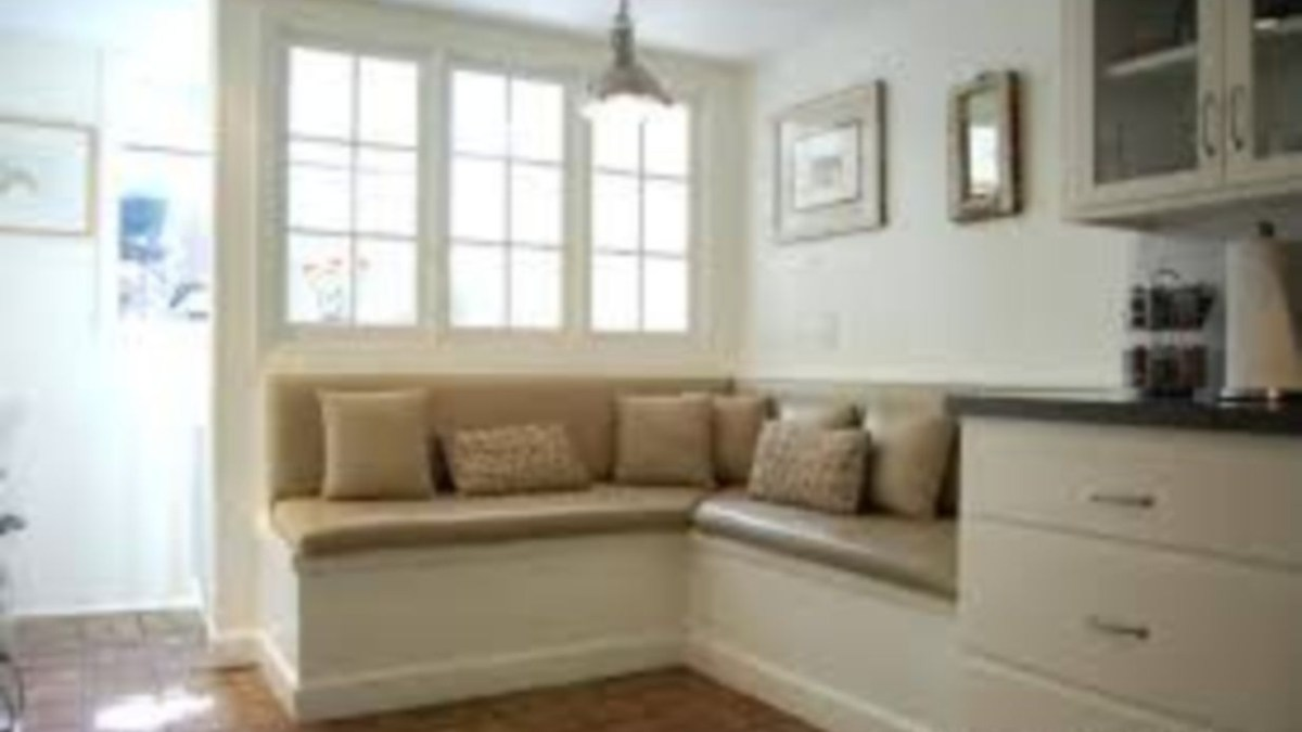 39 Built-in Bench for Your Basement Design Ideas