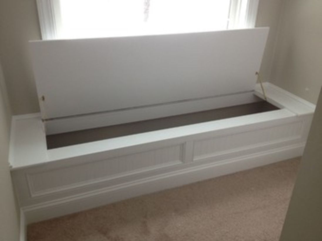 Built-in bench for your basement design ideas 30